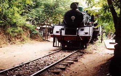 Jap train at Sai Yok waterfall