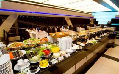 Luxury Dinner cruise 1.200 Baht pp