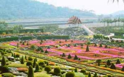 600 Acres of Manicured Gardens