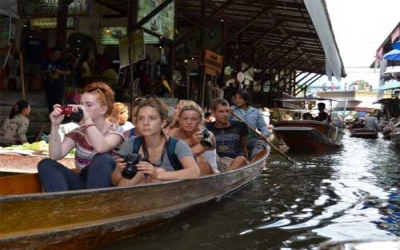 Boat tour Floating market