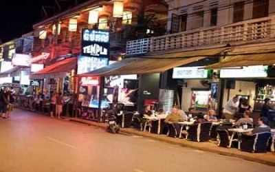Dinning out side siem reap