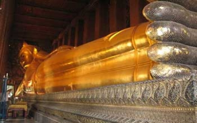 Golden sleeping Buddha