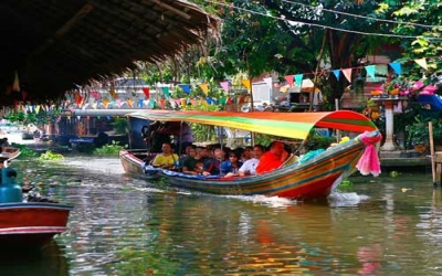 Tour Floating Market boat