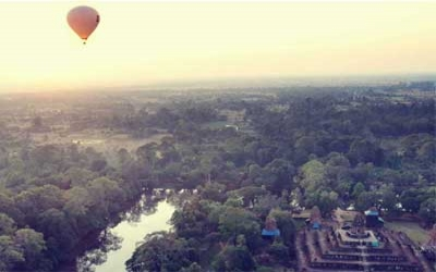 Hot air ballooning over Angkor wat